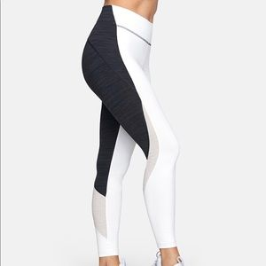 *NWT* Outdoor Voices TechSweat 7/8 Zoom Leggings